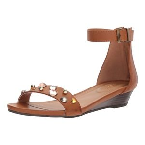 Reaction Kenneth Cole Great Vibe Stud Sandal